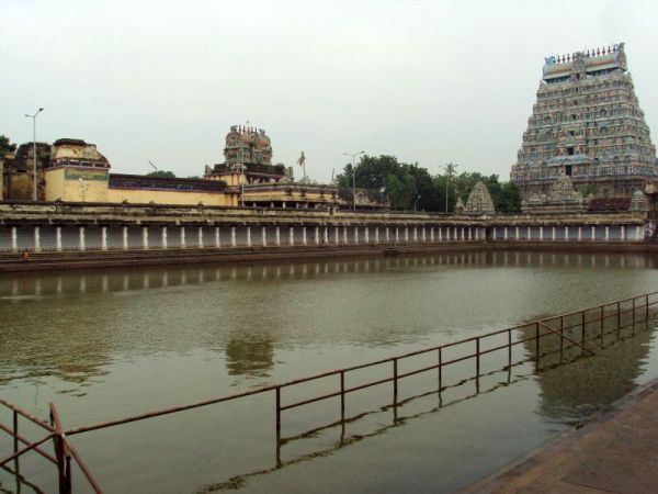 North gopuram and temple tank