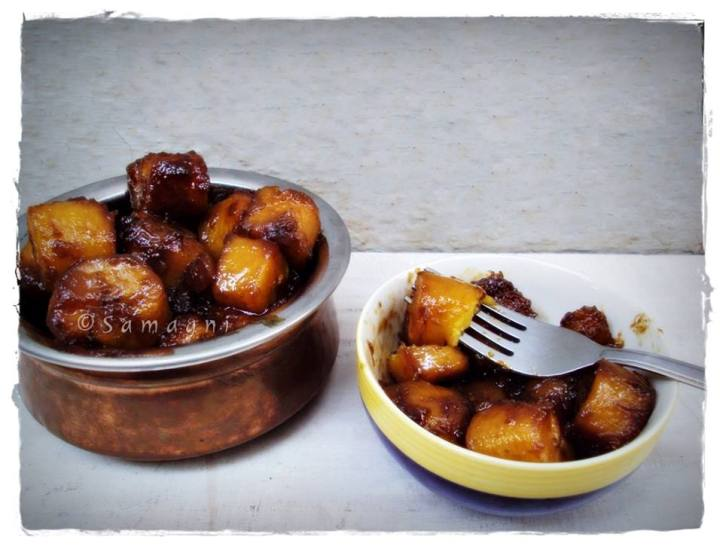 Sweet banana cooked in jaggery
