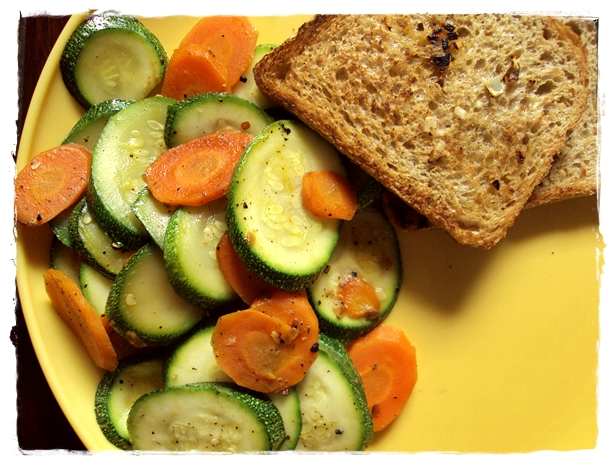 Garlic bread and Zucchini salad