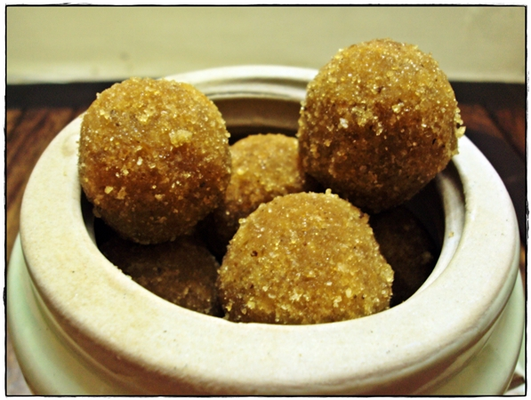 rice laddoo