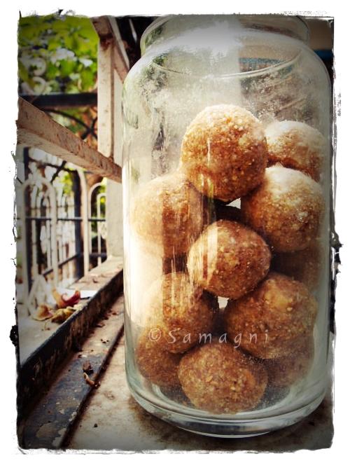 Dates and Peanuts Laddoo